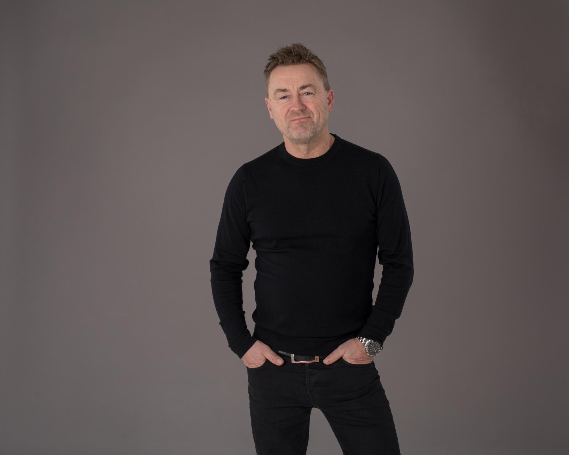 Einar Øverenget - Filosof og programleder i NNL